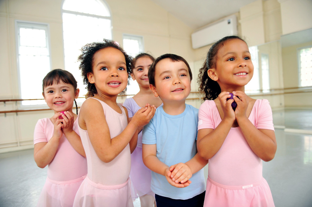 baby ballet dancers